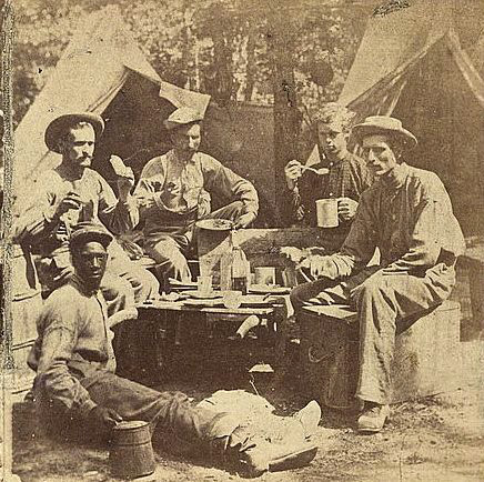 Union Army eating