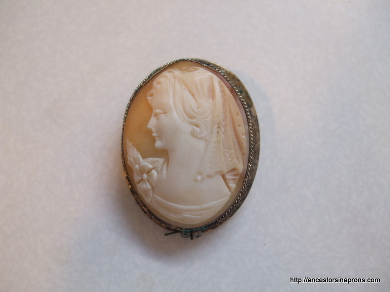 antique jewelry - cameo pin